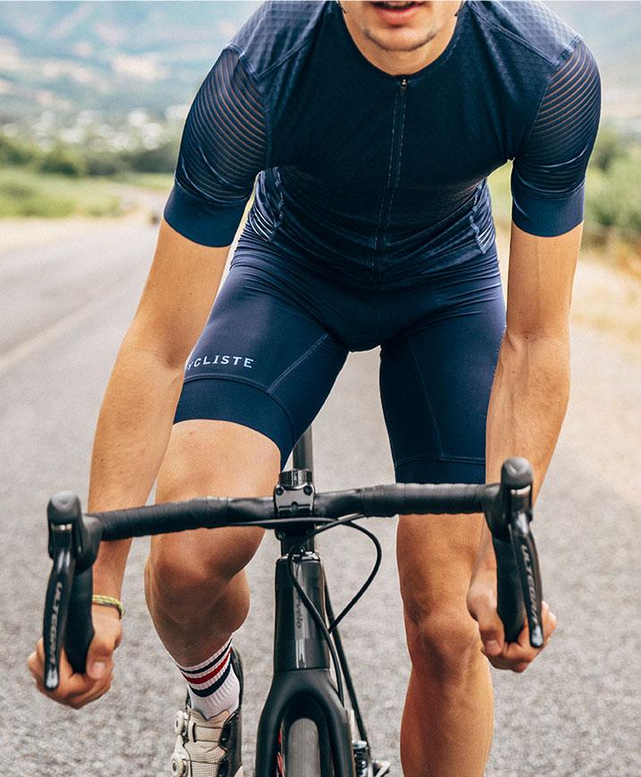 cafedu/cmsbuilder/men-cycling-clothing-block1B-130720_2.jpg