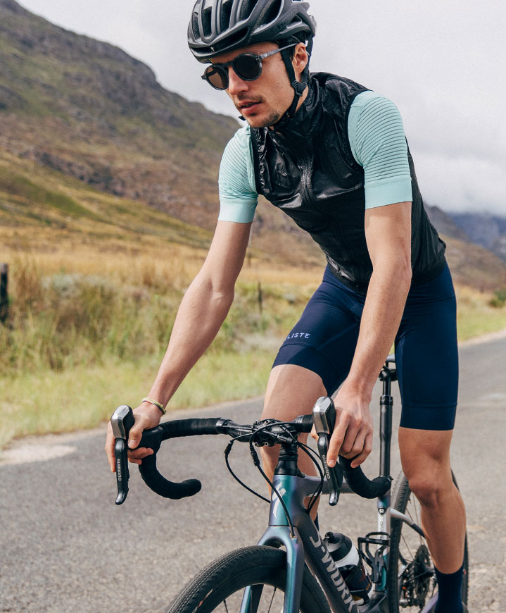 cafedu/cmsbuilder/men-cycling-clothing-block3B-130720_2.jpg