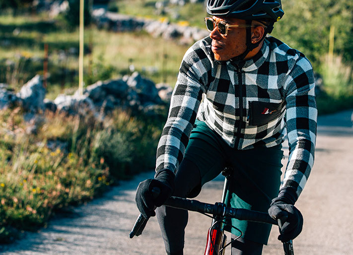 cafedu/cmsbuilder/men-cycling-clothing-block4B_29.jpg