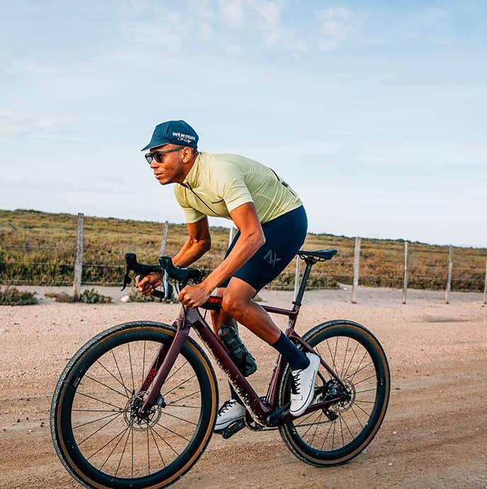 cafedu/cmsbuilder/men-cycling-clothing-block6B-08042021_3.jpg