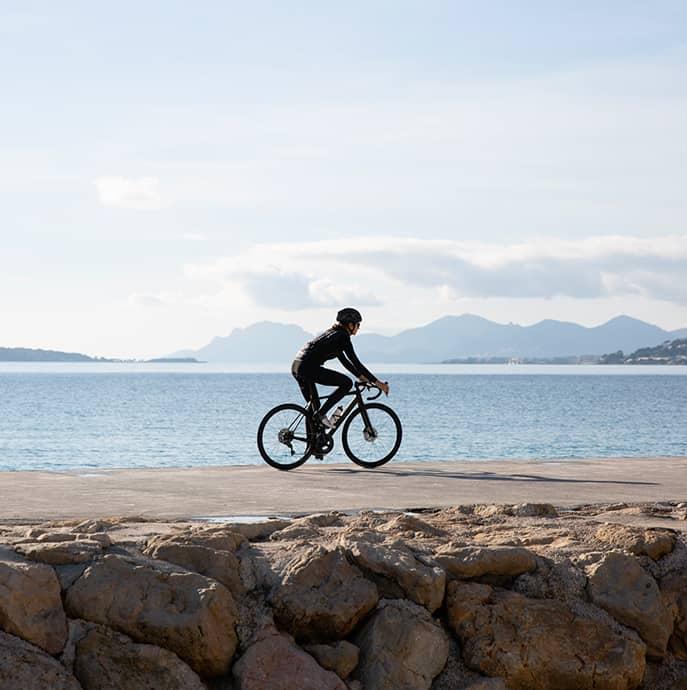 cafedu/cmsbuilder/men-cycling-clothing-block6C-23022021_2.jpg