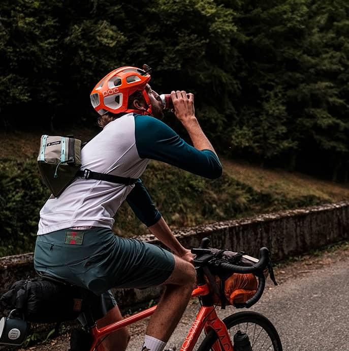 cafedu/cmsbuilder/men-cycling-clothing-block6D-08042021_4.jpg