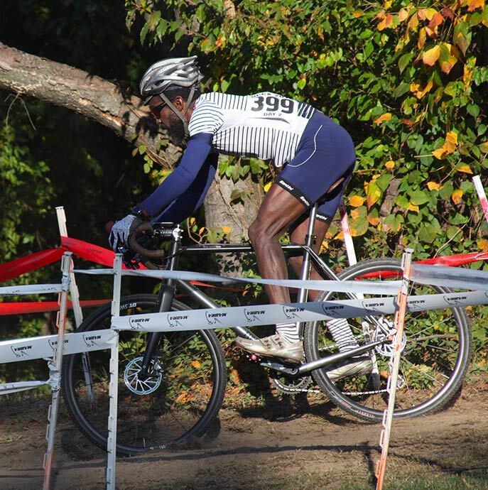 cafedu/cmsbuilder/men-cycling-clothing-block6E-23022021_3.jpg