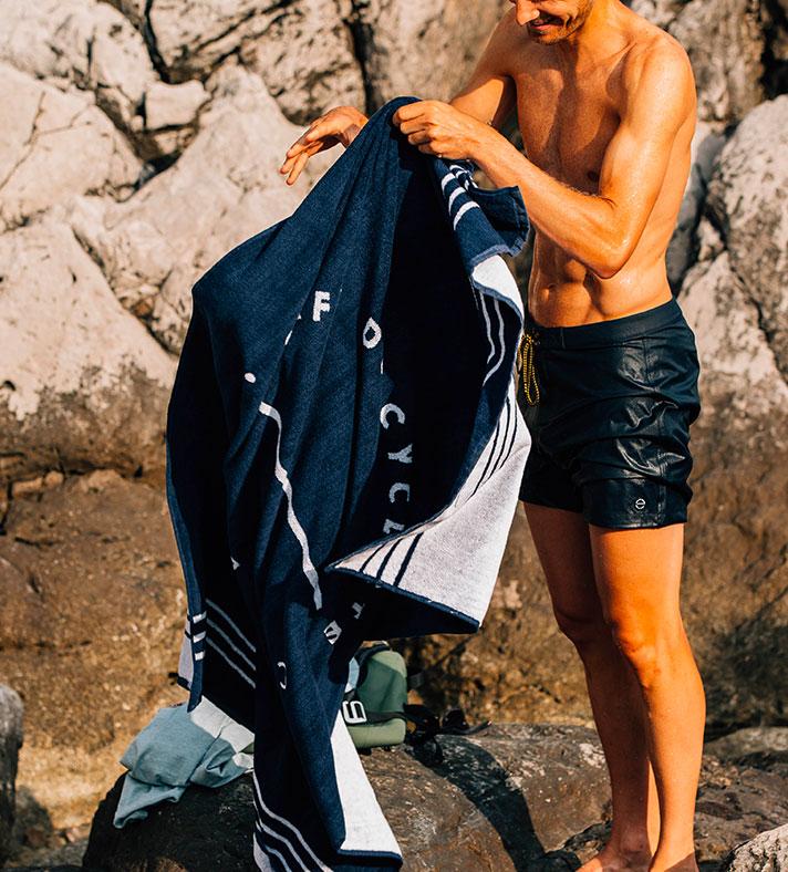 cafedu/cmsbuilder/men-cycling-clothing-block7A-130720_4.jpg